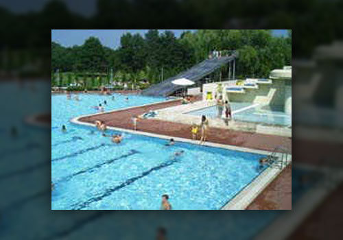 "Freibad ""Queichtalbad"" in Offenbach"